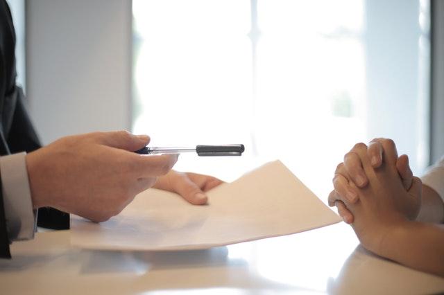 Πώληση Δανείων: Τι έγινε με τα δάνεια που μεταβιβάστηκαν σε ξένες εταιρείες